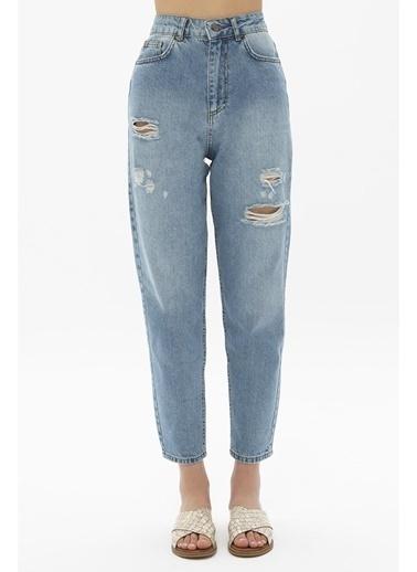 Female Project Buz Mavi Yüksek Bel Mom Jeans Mavi